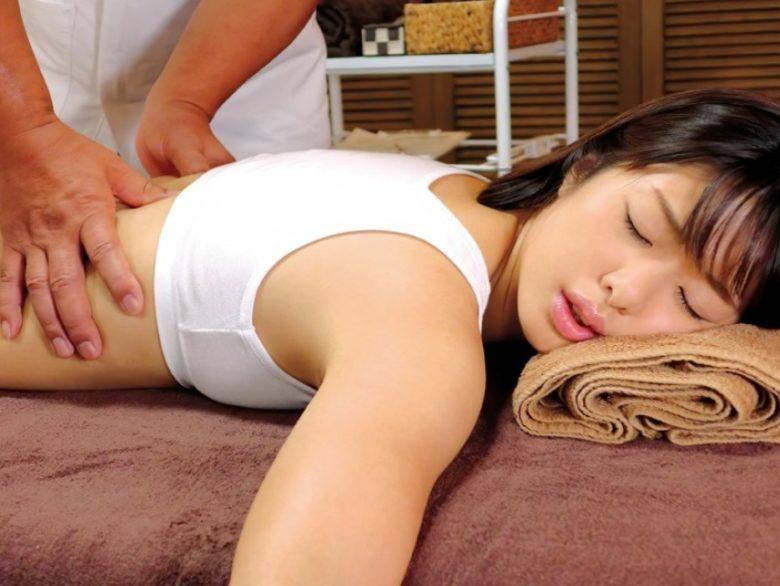 悪徳整体師に開発され最初の1ピスでエビ反り痙攣イキする敏感体質に仕込まれた人妻 川上奈々美