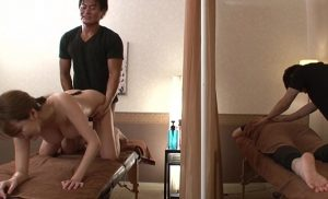 【夫の前動画】夫の前でマッサージ師に絶頂(いか)された妻 朝桐光