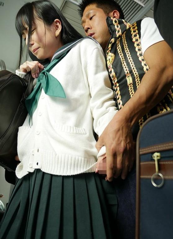 【声を出せない動画】痴●に溺れて…―通学中に襲われた敏感体質の制服美少女― 七沢みあ