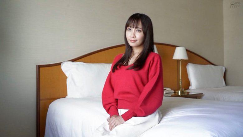 家政婦扱いからの現実逃避で出演の美巨乳妻30歳代エロ動画