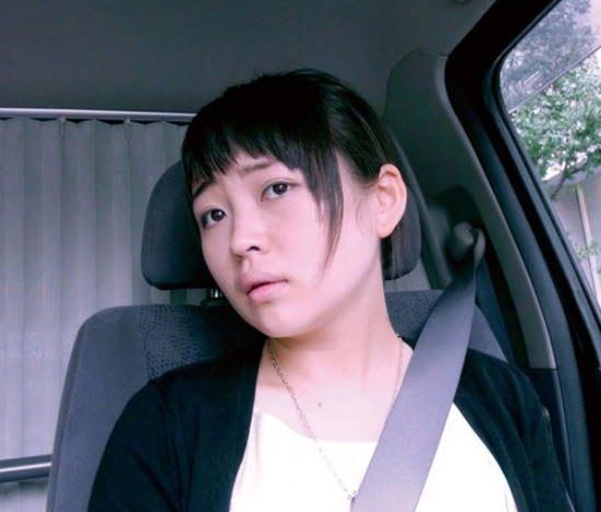 小ぶりな乳房で恥じらう表情が可愛い素人妻23歳 素人妻エロ動画